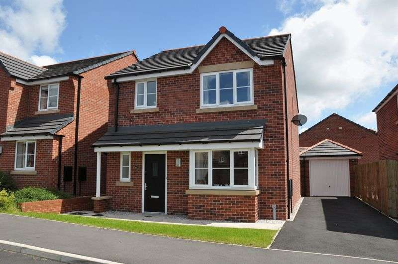 3 Bedrooms Detached House for sale in Grove Farm Drive, Adlington