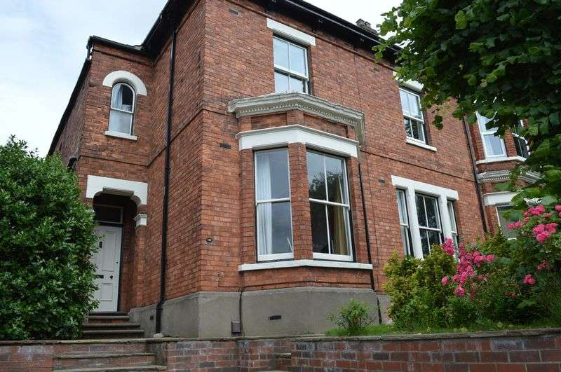 5 Bedrooms Semi Detached House for sale in West Parade, Lincoln