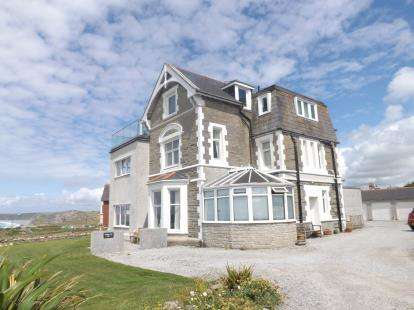 1 Bedroom Flat for sale in 2 Lusty Glaze Road, Newquay, Cornwall