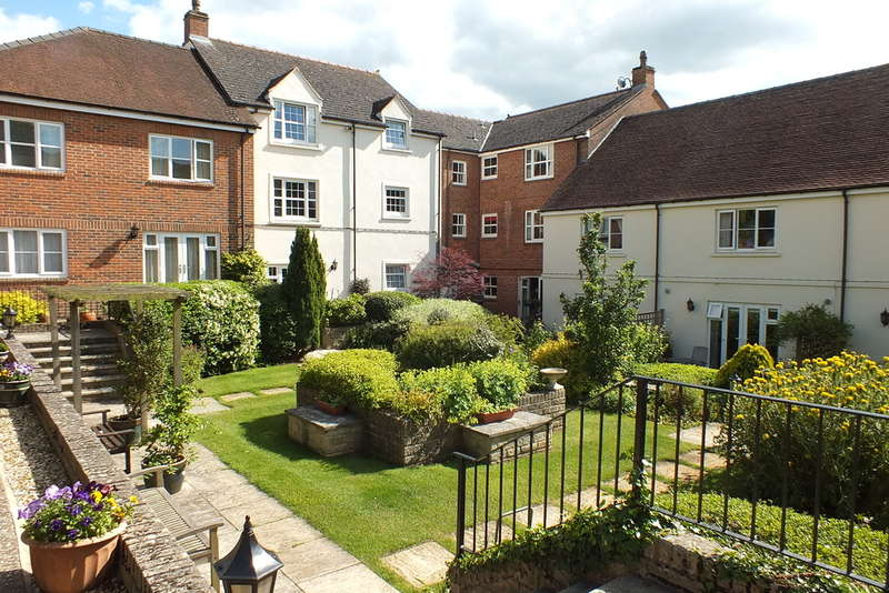 2 Bedrooms Flat for sale in Faringdon