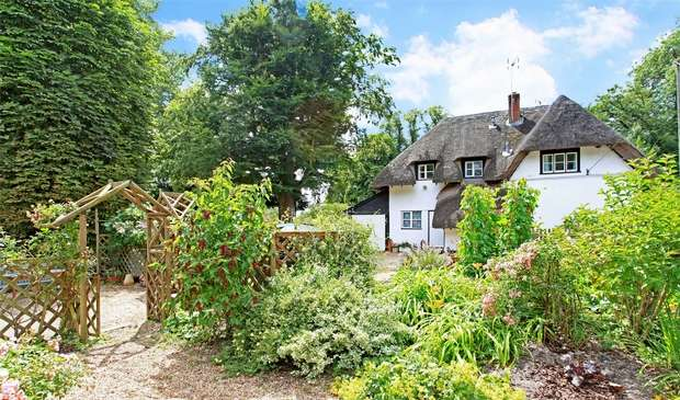 5 Bedrooms Cottage House for sale in Wherwell, Hampshire