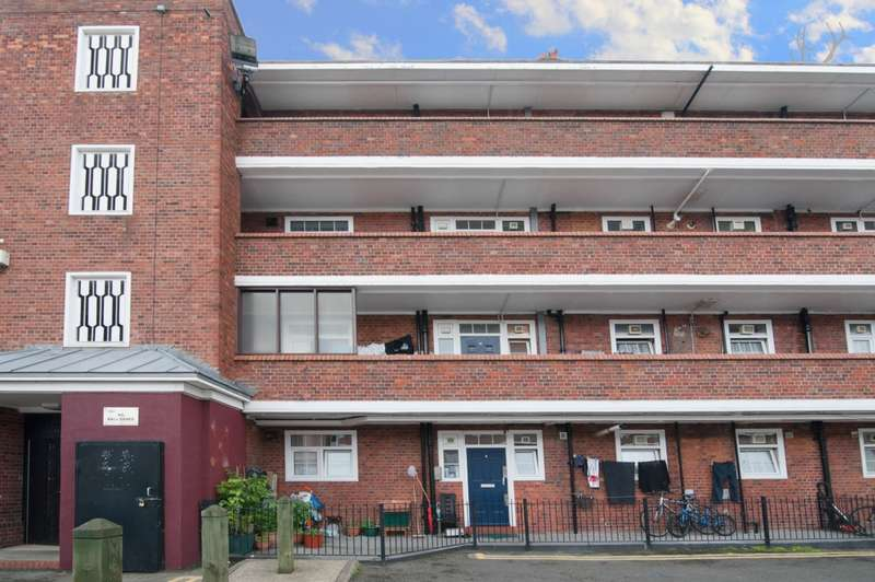 3 Bedrooms Flat for sale in Beechwood House, Teale Street, Haggerston, E2