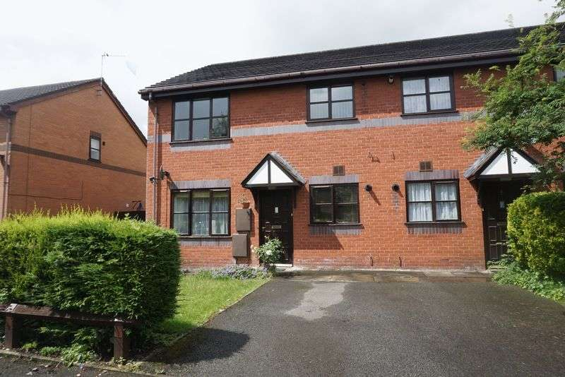 2 Bedrooms Flat for sale in Aldworth Grove, Sale