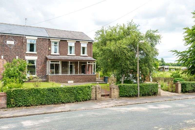 4 Bedrooms Semi Detached House for sale in Rainford Road, Bickerstaffe