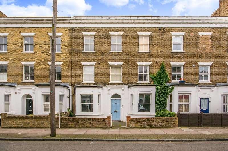 2 Bedrooms Flat for sale in Simpson Street, Battersea, SW11