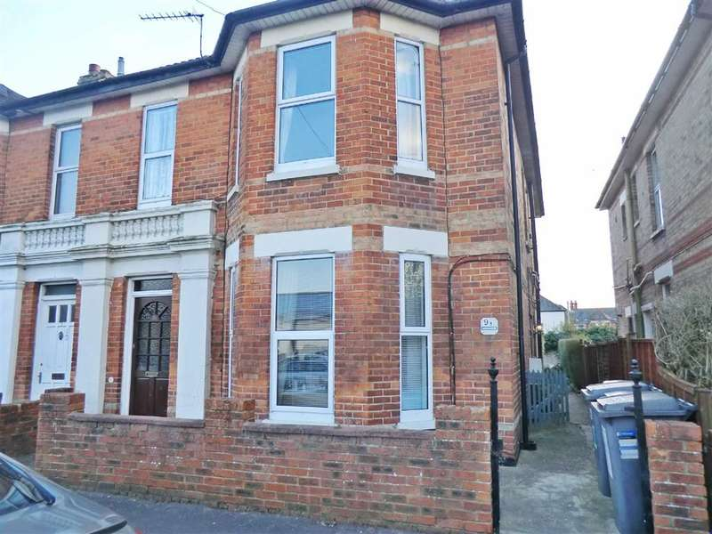 3 Bedrooms Flat for sale in Stewart Close, Bournemouth, Dorset