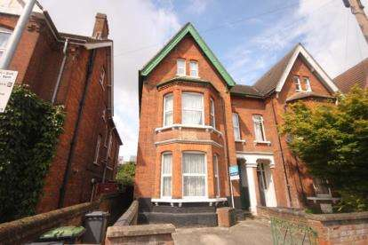 6 Bedrooms Semi Detached House for sale in Conduit Road, Bedford, Bedfordshire