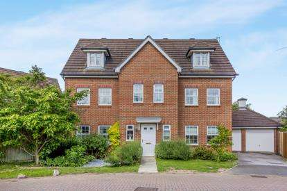 6 Bedrooms Detached House for sale in Naylor Crescent, Stapeley, Nantwich, Cheshire