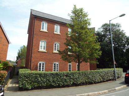 2 Bedrooms Flat for sale in Irwell Place, Radcliffe, Manchester, Greater Manchester, M26