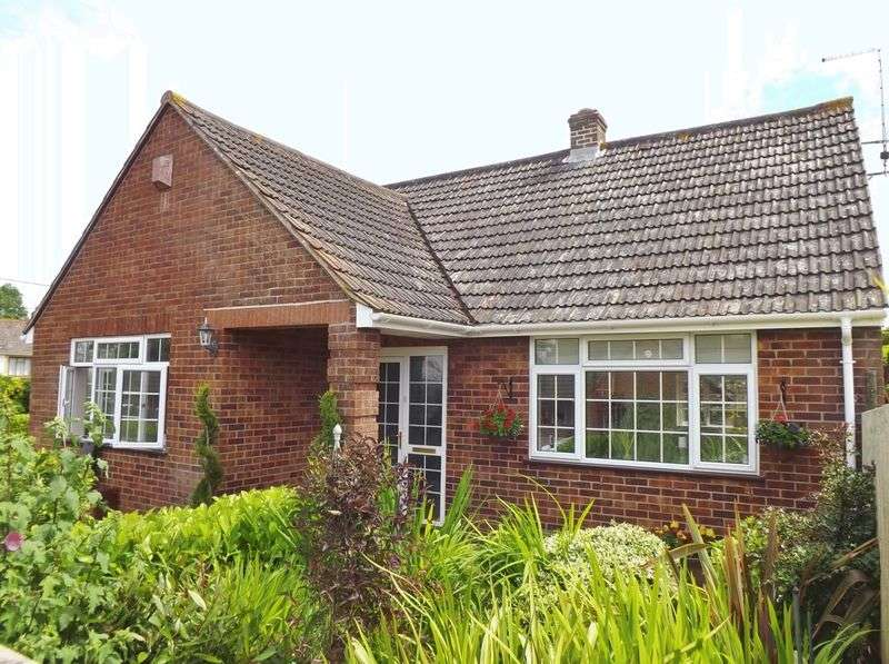3 Bedrooms Detached Bungalow for sale in Combe Street Lane, Yeovil
