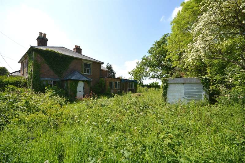 2 Bedrooms Semi Detached House for sale in Pilley Street, Pilley, Lymington, Hampshire, SO41