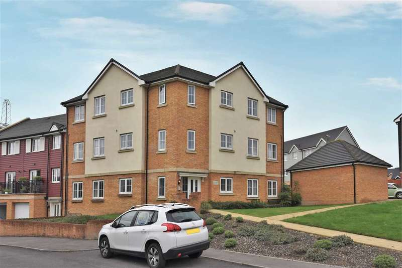 2 Bedrooms Apartment Flat for sale in ELSANTA CRESCENT, TITCHFIELD COMMON