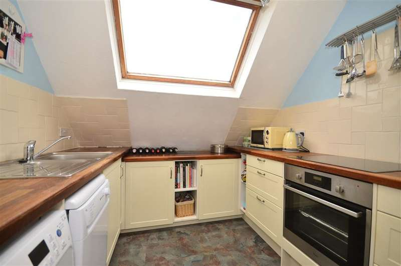 2 Bedrooms Apartment Flat for sale in Loxwood Road, Tismans Common, Rudgwick, West Sussex
