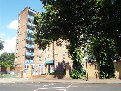 2 Bedrooms Flat for sale in Katherine Road, East Ham