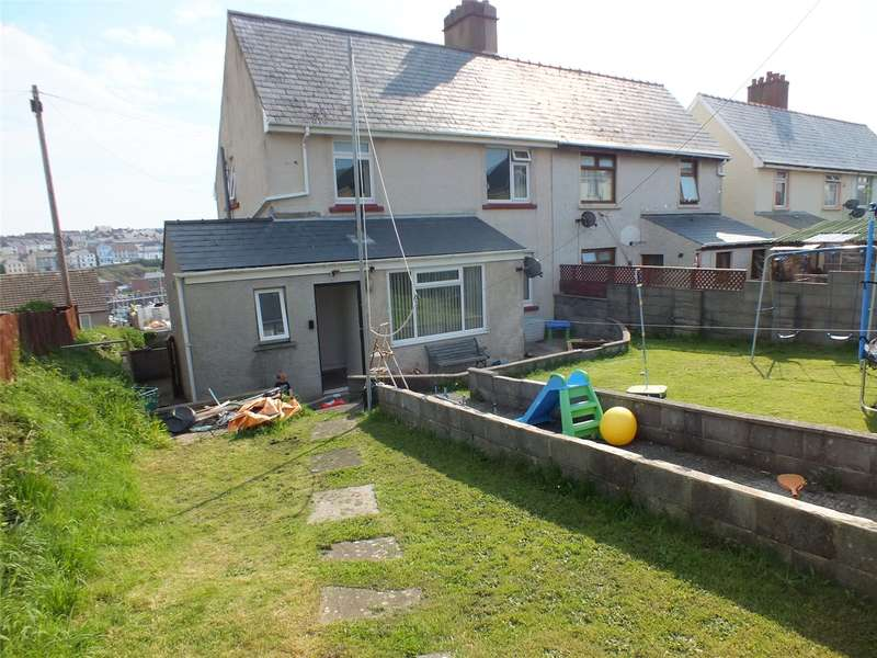 3 Bedrooms Semi Detached House for sale in Nubian Crescent, Hakin, Milford Haven