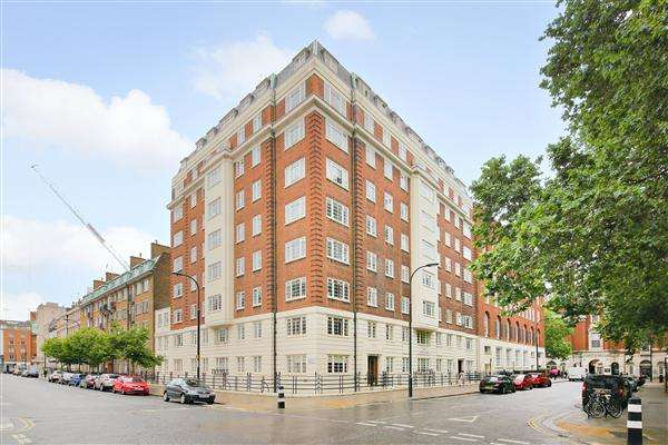 3 Bedrooms Apartment Flat for sale in Tavistock Court, Tavistock Square, London