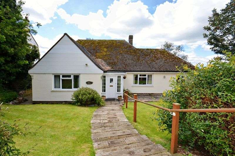 3 Bedrooms Detached Bungalow for sale in EASY POTENTIAL FOR ANNEXE! Brecon Chase, Minster