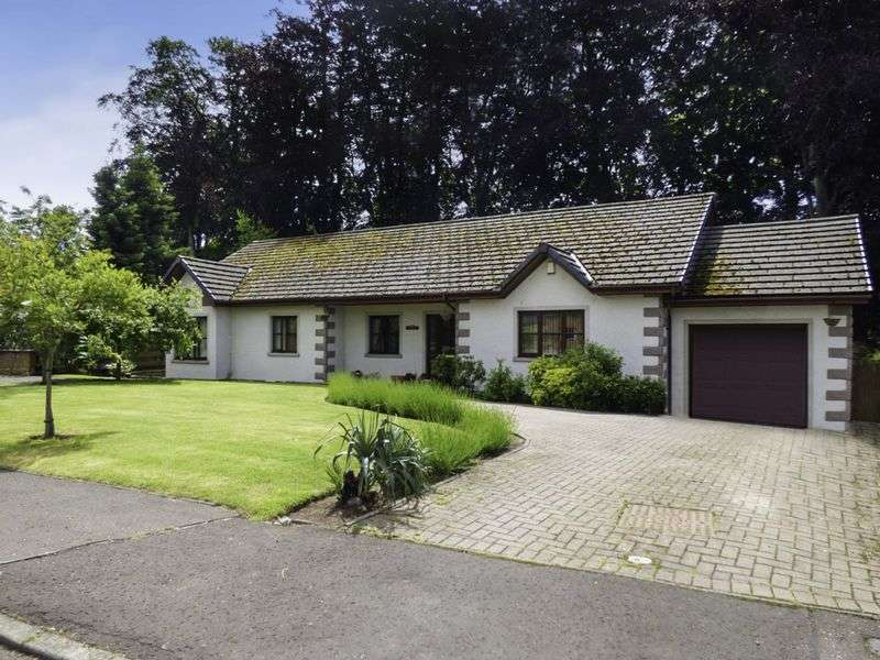 4 Bedrooms Detached Bungalow for sale in Cottons Corner, DD11 4QD