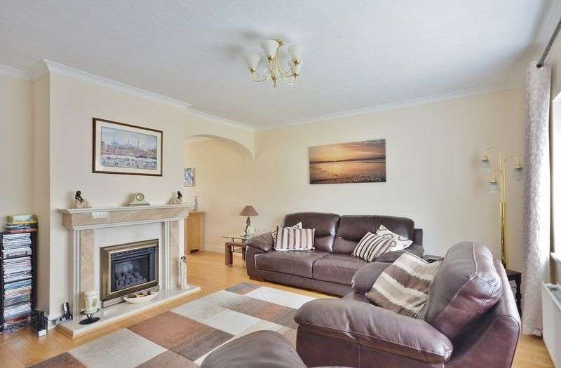 3 Bedrooms Detached Bungalow for sale in Pearson Close, Moor Row