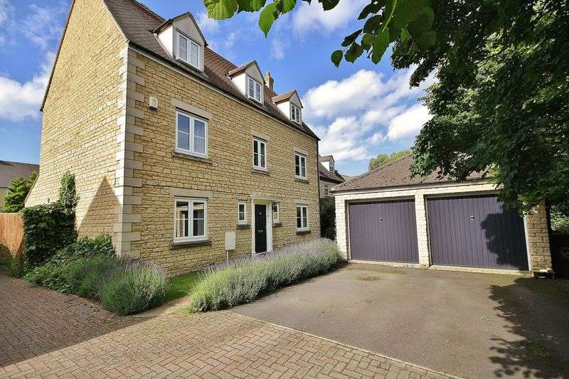 5 Bedrooms Detached House for sale in BARRINGTON CLOSE, Deer Park, Witney OX28 5FL