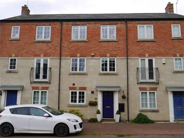 4 Bedrooms Town House for sale in Thistle Drive, Desborough, Kettering, Northamptonshire