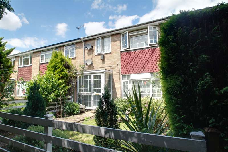 4 Bedrooms Terraced House for sale in Chilsey Green Road, Chertsey, Surrey, KT16