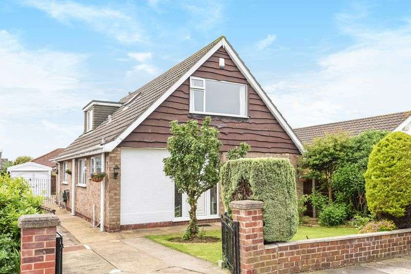 3 Bedrooms Detached Bungalow for sale in Cumberland Road, DN35 0NS