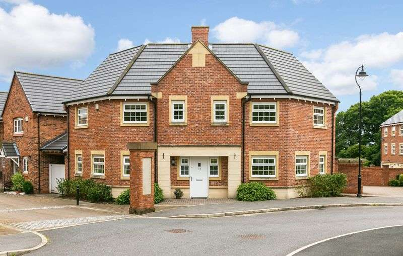 4 Bedrooms Detached House for sale in Mayflower Gardens, Chorley, PR7 3TR