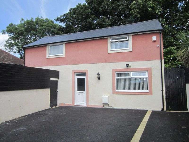 1 Bedroom Detached House for sale in Amroth Road Caerau Cardiff CF5 5DR