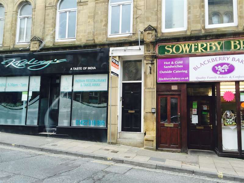 2 Bedrooms Apartment Flat for sale in Town Hall Street, Sowerby Bridge