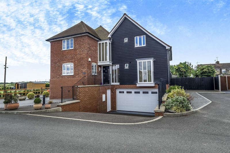 4 Bedrooms Detached House for sale in Wharf Farm Wharf Lane, Cliffe, Rochester, ME3