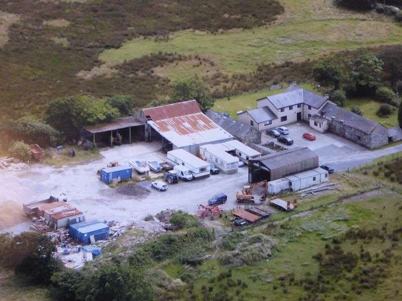 4 Bedrooms Detached House for sale in Llanddeiniolen