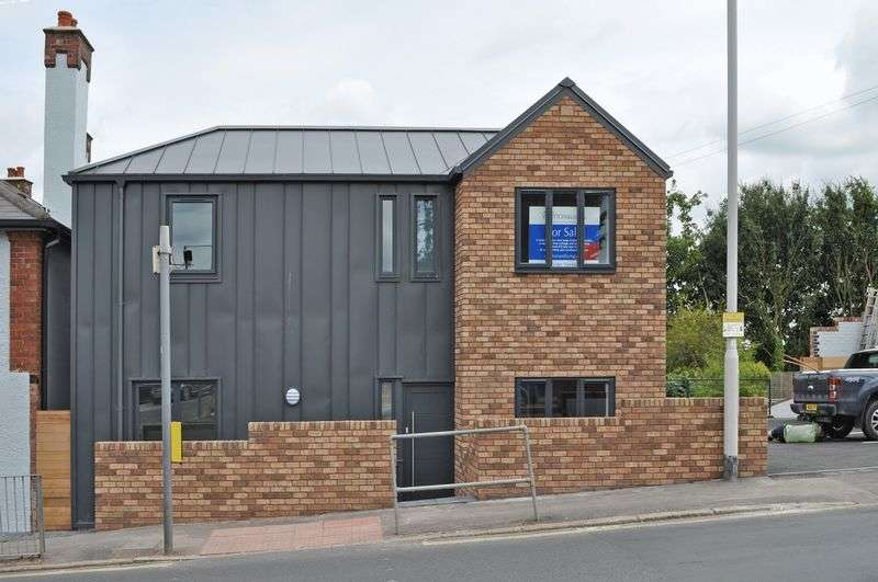 3 Bedrooms Detached House for sale in St Thomas, Exeter