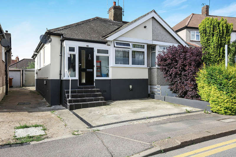 2 Bedrooms Semi Detached Bungalow for sale in Rushdene, Abbey Wood , London, SE2