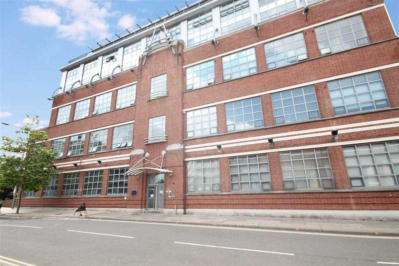 3 Bedrooms Apartment Flat for sale in Churchmans Loft, Portman Road, Ipswich