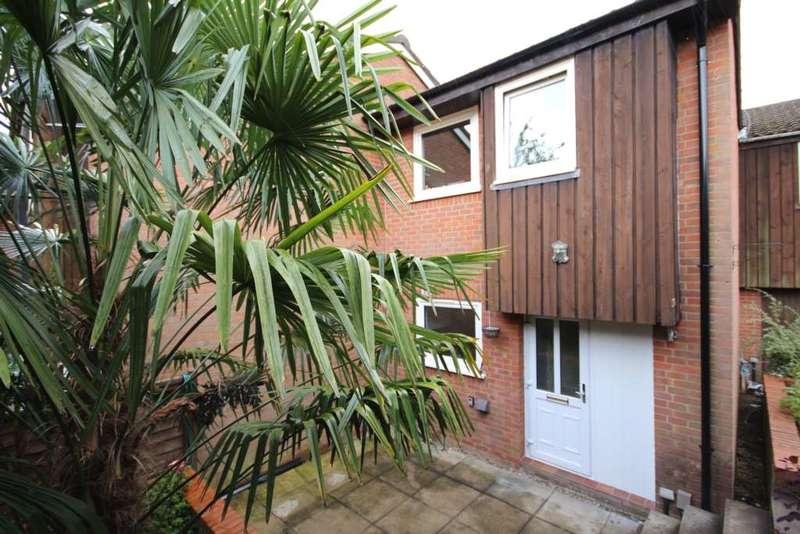 3 Bedrooms House for sale in Greenham Wood, Bracknell