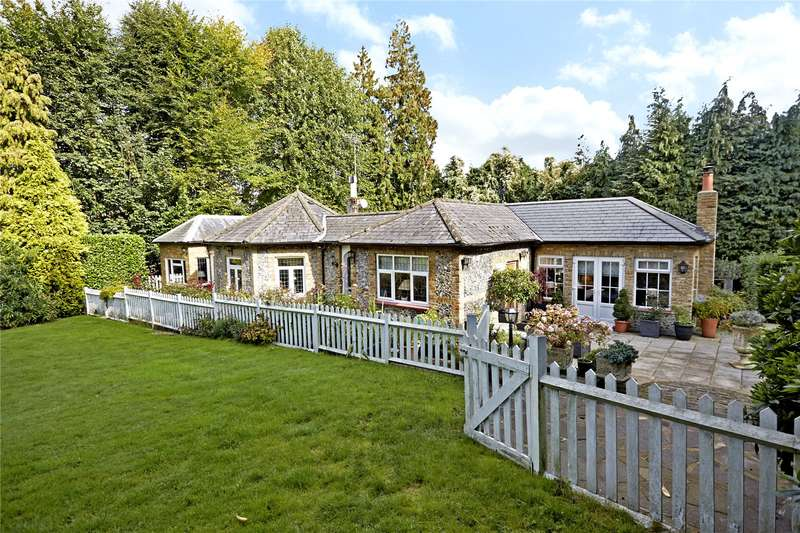 4 Bedrooms Detached Bungalow for sale in Tilley Lane, Headley, Epsom, Surrey, KT18