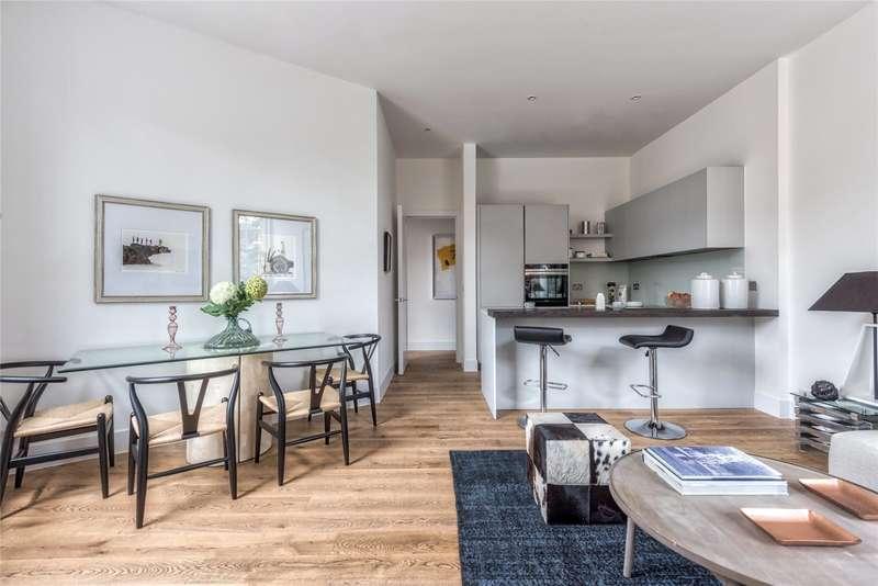 2 Bedrooms Flat for sale in Peloton Place, Upper Richmond Road, Putney, London, SW15