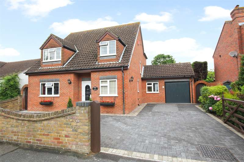 4 Bedrooms Detached House for sale in Timsway, Staines-Upon-Thames, TW18