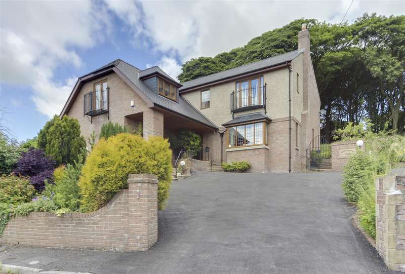 4 Bedrooms Property for sale in Beech Close, Bacup