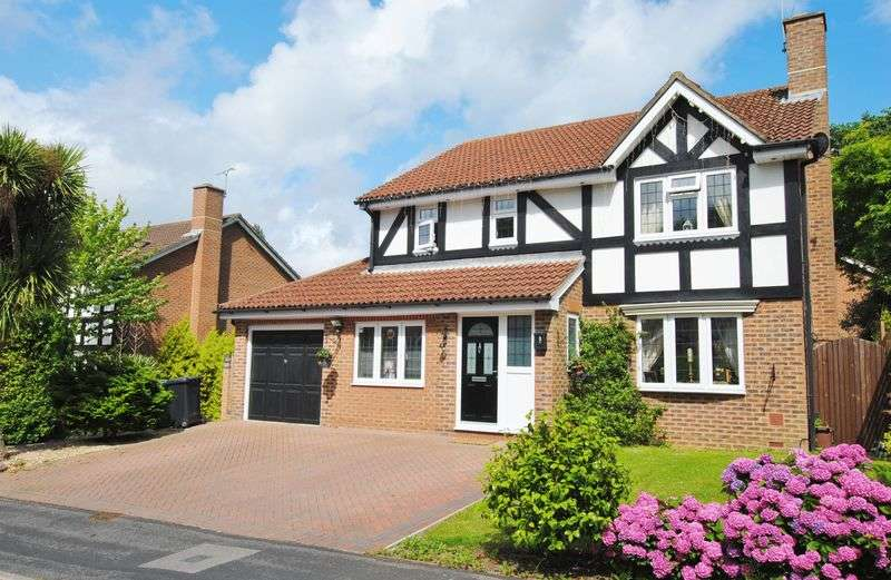 4 Bedrooms Detached House for sale in Ullswater Avenue, West End