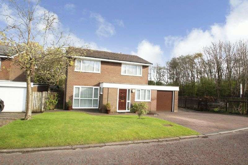 4 Bedrooms Property for sale in Harwin Close, Shawclough OL12 7UY