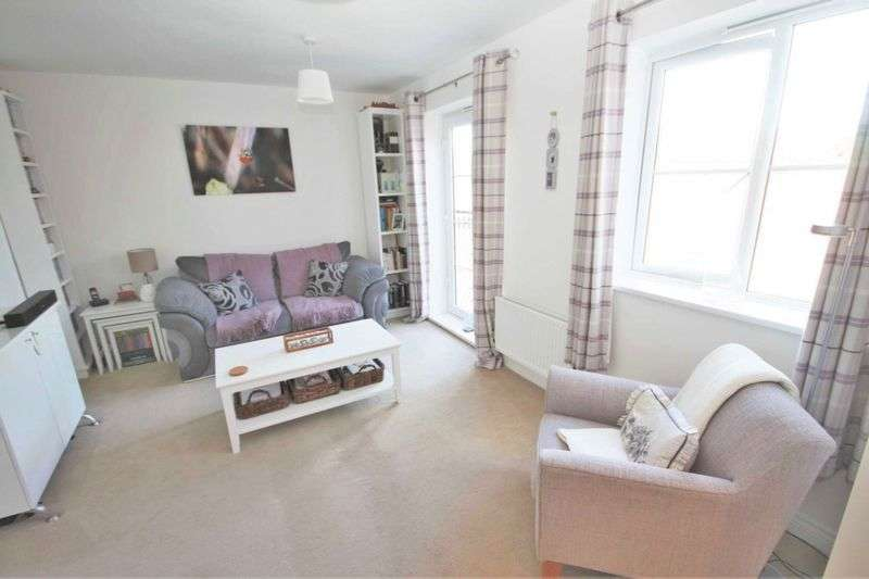 2 Bedrooms Flat for sale in Hylton Avenue, Skelton