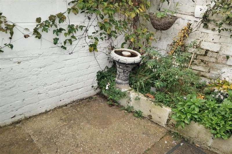 1 Bedroom Ground Flat for sale in Station Avenue, Sandown, Isle of Wight