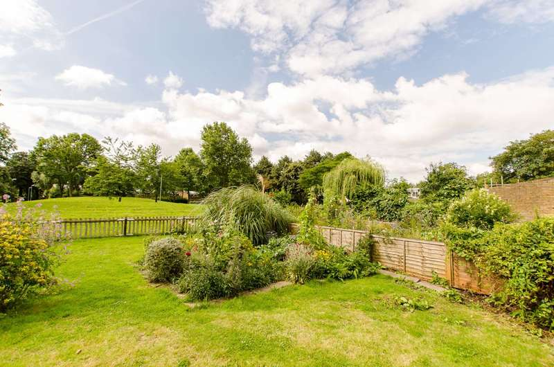 1 Bedroom Bungalow for sale in Chandlers Way, Brockwell Park, SW2