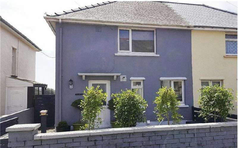 2 Bedrooms Property for sale in Cromwell Road, Milford Haven