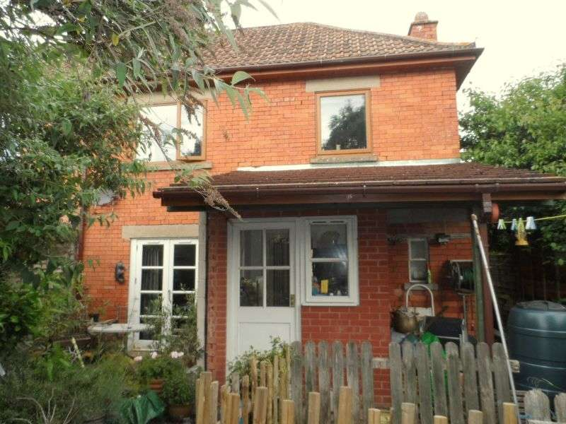 3 Bedrooms Semi Detached House for sale in St. Edmunds Road, Glastonbury