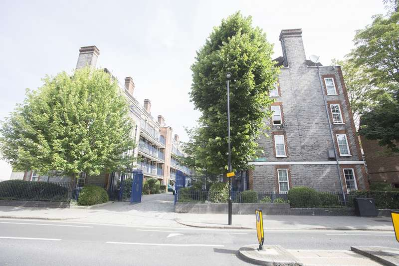 1 Bedroom Flat for sale in Leighton Road, London, London, NW5