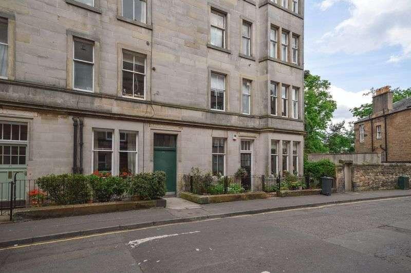 2 Bedrooms Flat for sale in 23/4 Forbes Road, Bruntsfield, Edinburgh, EH10 4EG