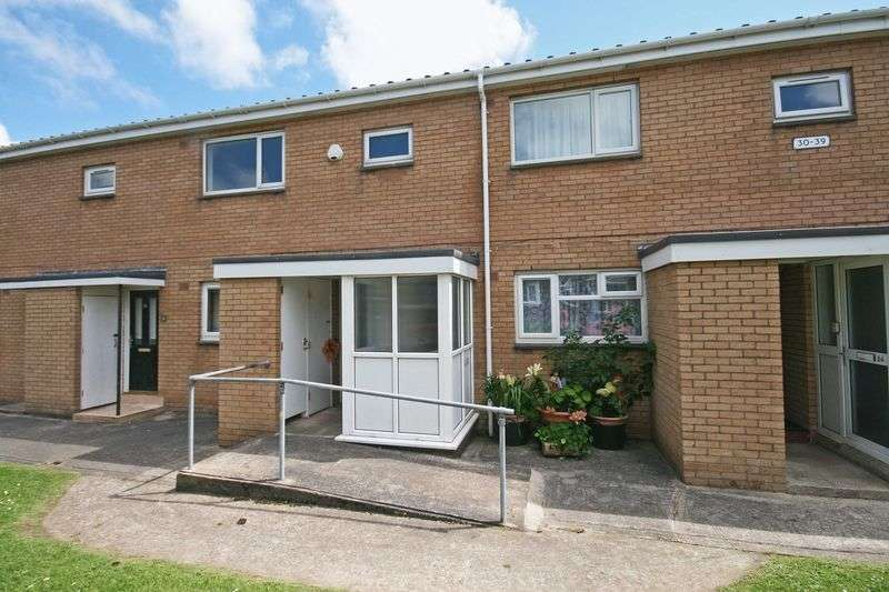 2 Bedrooms Flat for sale in Kincraig Place, Blackpool